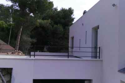 Newly-built house with pool and touristic licence